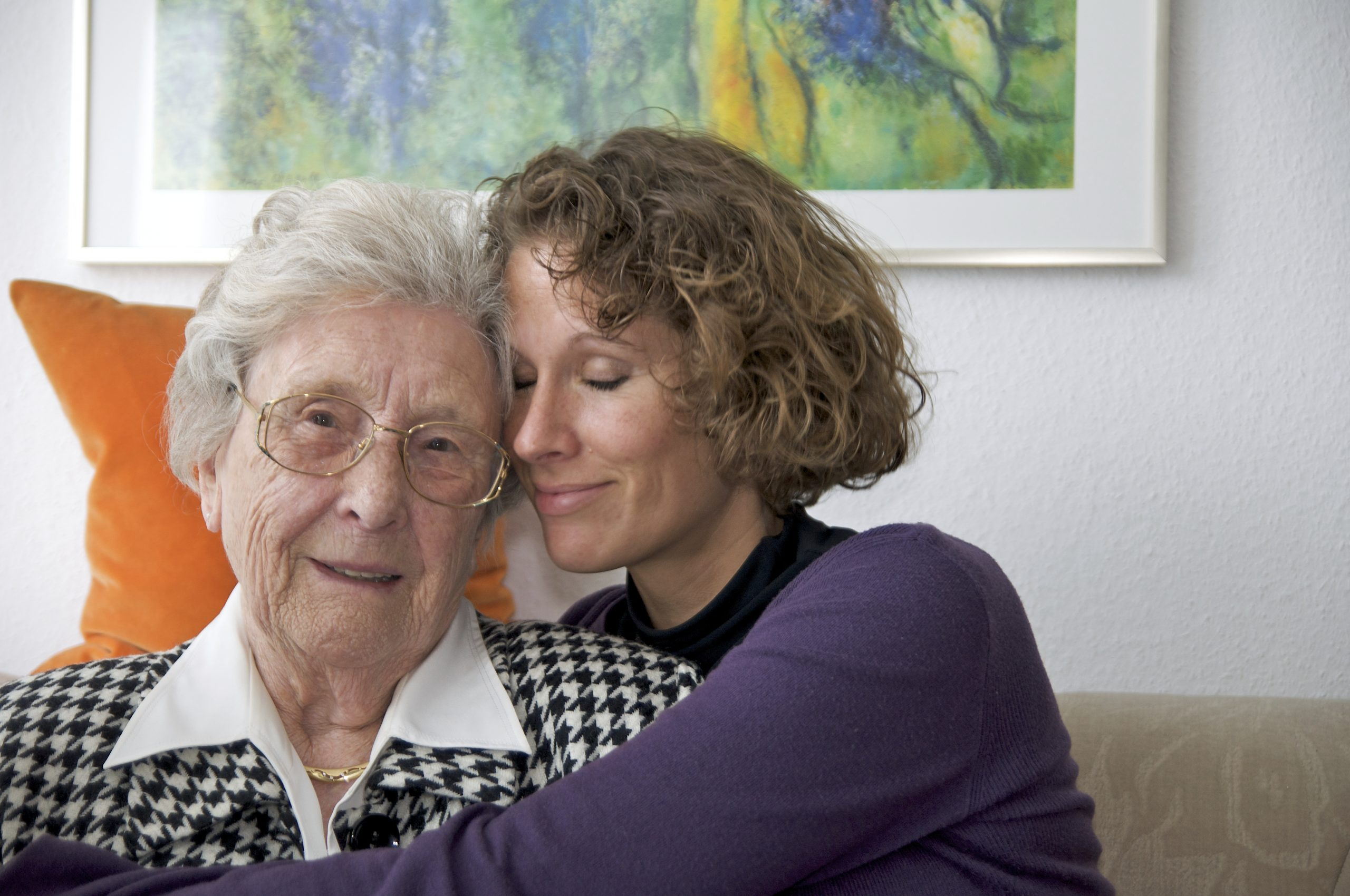 senior-care-plus-cargiver-h=h=embracing-aged-women-with-love-and-compassion